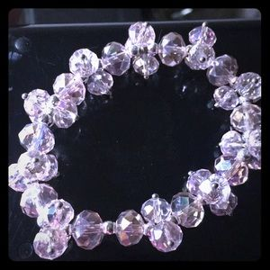 Jewelry - Pale pink glass bead clusters stretch bracelet